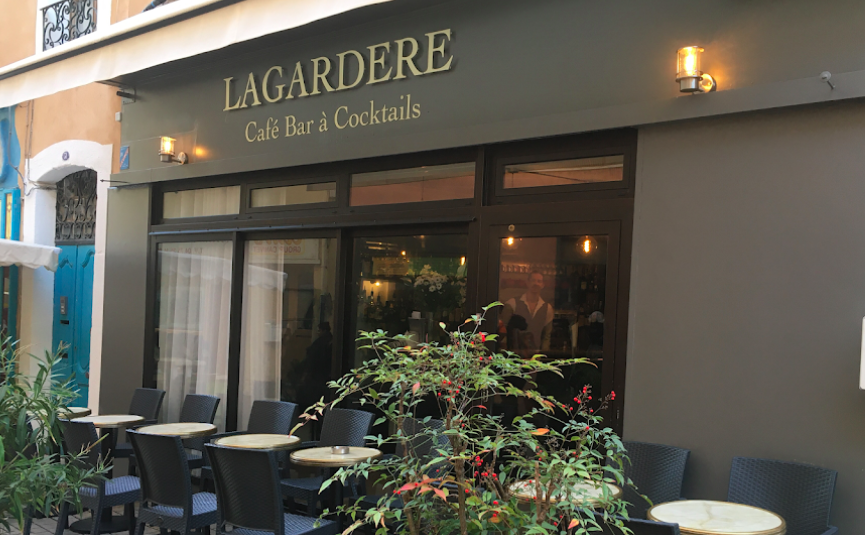 Café bar à cocktails lagardère