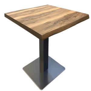 Table en bois restaurant
